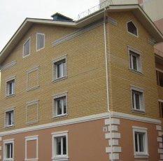 Кирпичный 3-этажный жилой дом по адресу: переулок Нескучный, дом4а
